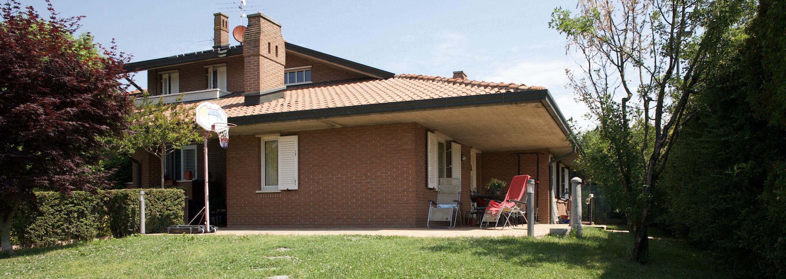 Villa bifamiliare a Calvenzano